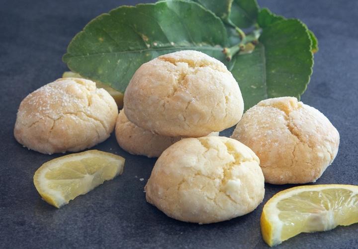 Lemon cookies on black board.